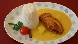 Hähnchenbrust in Currysoße